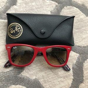 Woman's Ray-Ban sunglasses